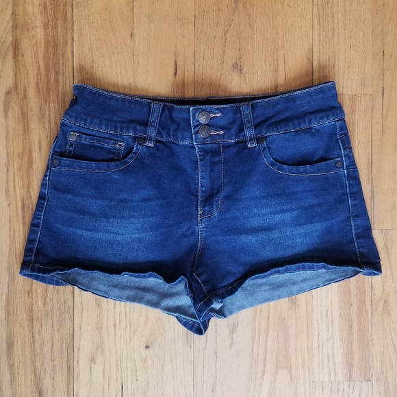 GUESS GREAT COND STRETCH BUTT ENHANCE JEAN SHORTS